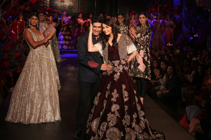Manish Malhotra s show Couture Soiree was a befitting finale to a week of  stylish haute couture and high fashion at Amazon India Couture Week. a2206ae0e